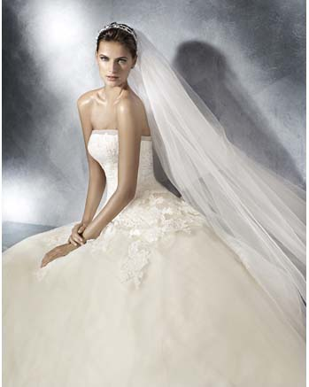 White One by Pronovia DANIT