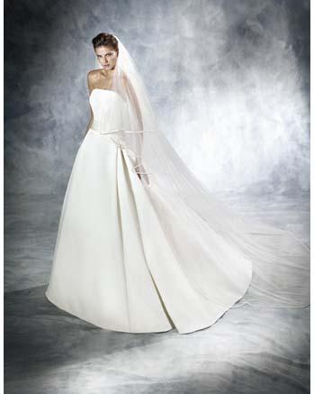 White One by Pronovia JANAIS