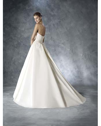 White One by Pronovia JANEIRO