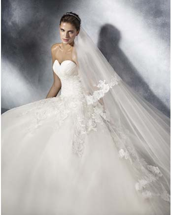 White One by Pronovia TOSCANA